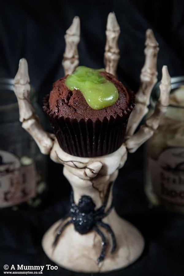 Oozing slime halloween cupcakes