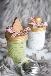 how to paint mason jars for christmas gifts tutorial