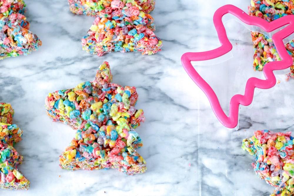 How to make unicorn themed rice crispy treats the easy way
