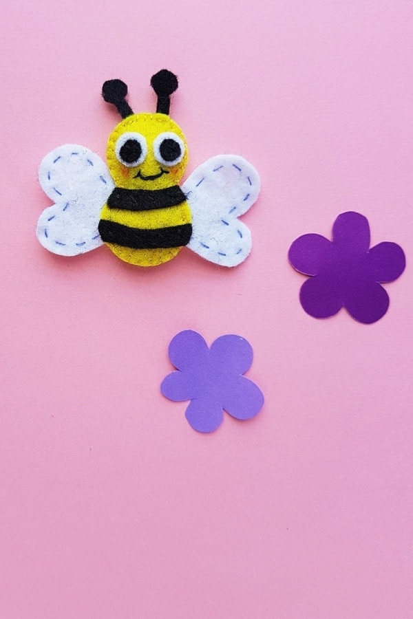 Felt bumble bee craft sewing