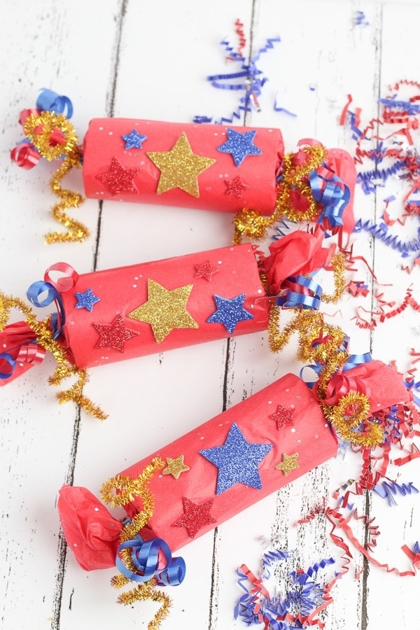 4th of july DIY confetti poppers