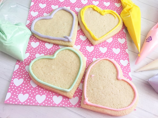 icing conversation heart cookies