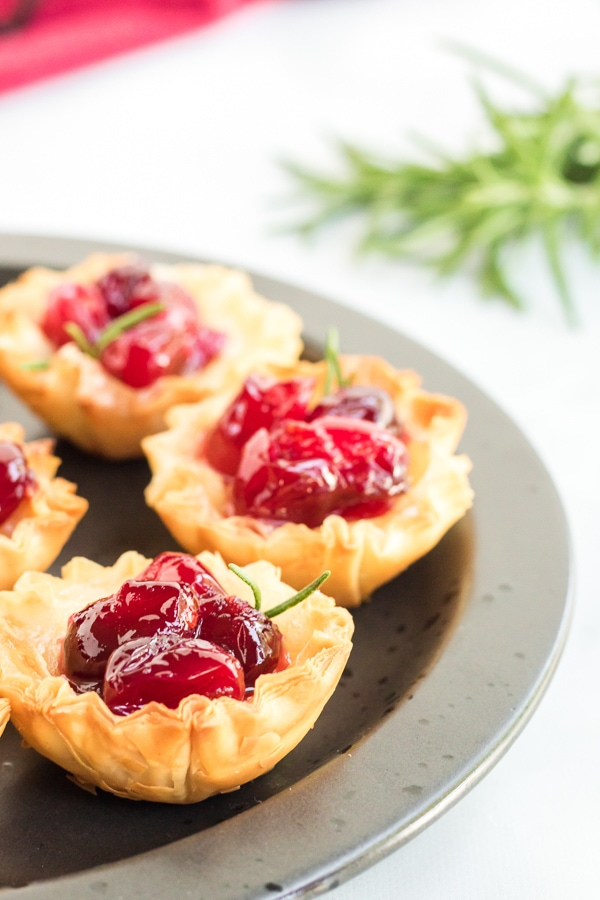 cranberry and brie bites appetizer
