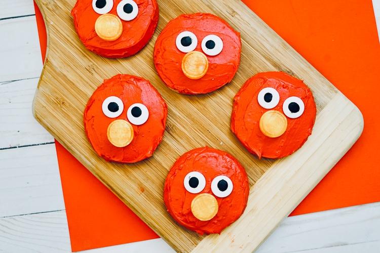 decorated elmo cookies