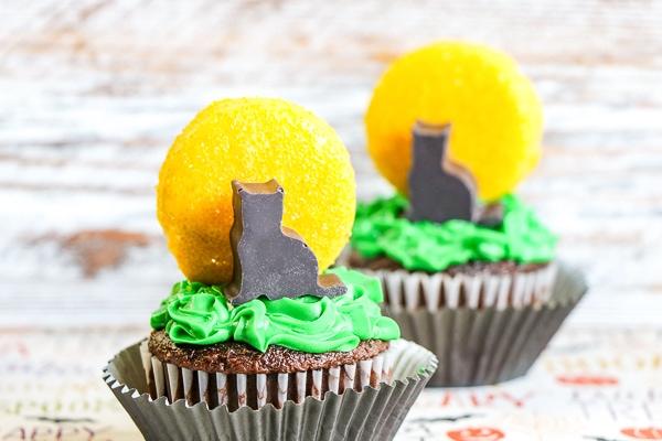 Black cat cupcakes tutorial