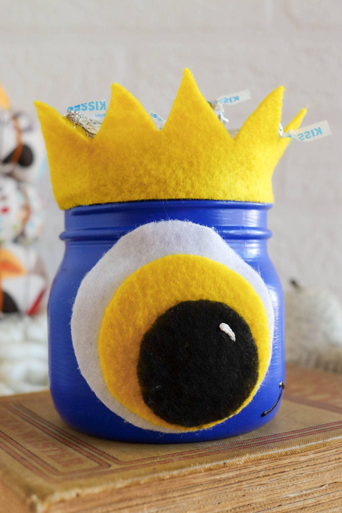 Halloween mason jar monster, cute and fun DIY craft for halloween