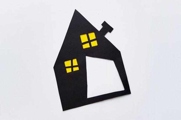 paper halloween puppet house