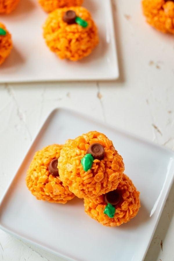 halloween pumpkin rice krispie treats