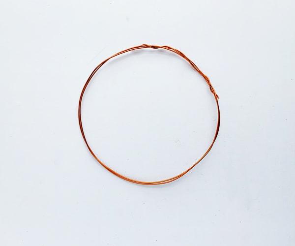 how to make a felt leaf wreath, wire circle frame