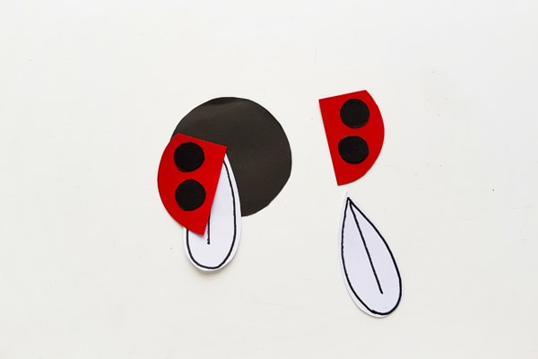 how to make a ladybug bookmark