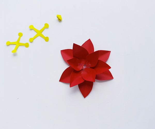 how to make paper poinsettia 3d