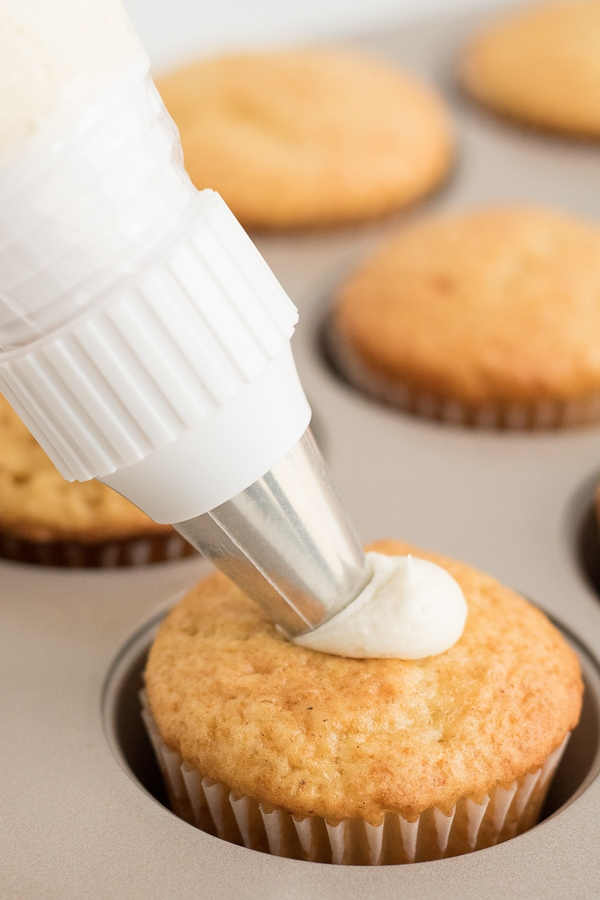 icing eggnog cupcakes