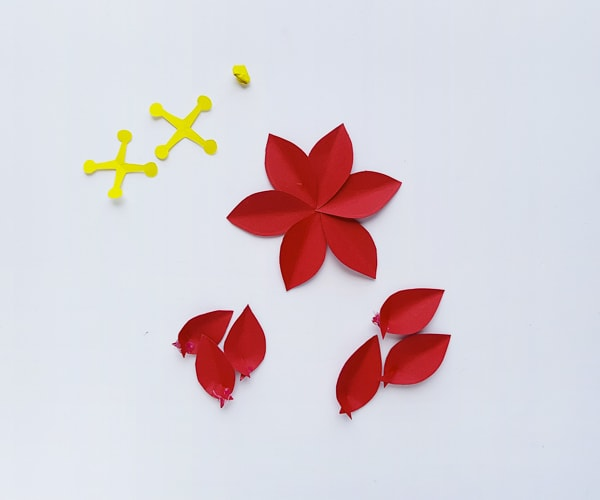 making Christmas poinsettia flowers