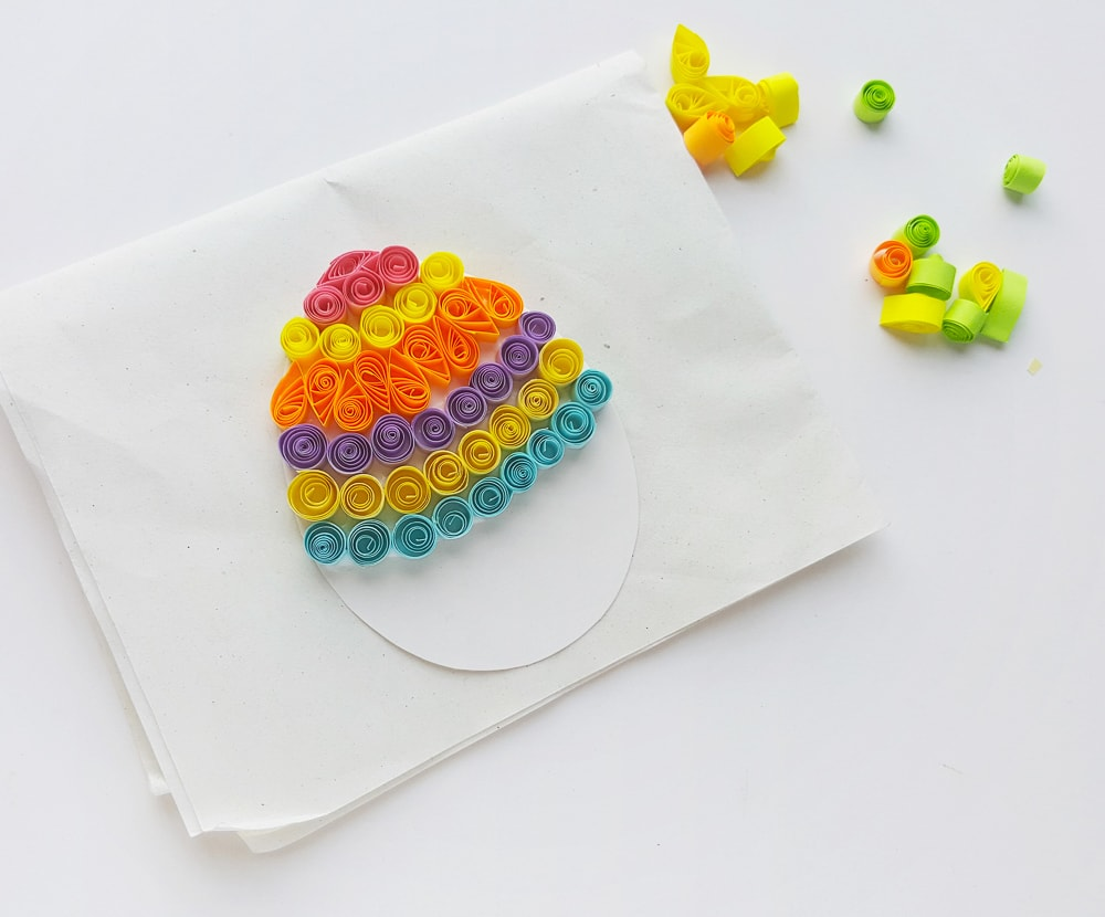 Quilled Easter egg craft step by step tutorial