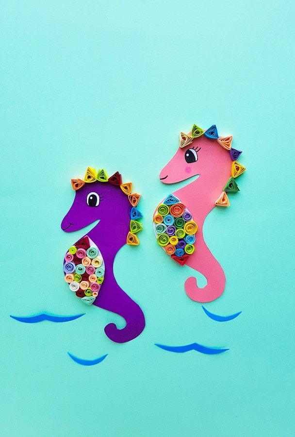 Quilled seahorse art craft