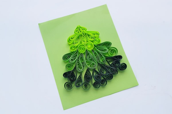 Quilled tree design