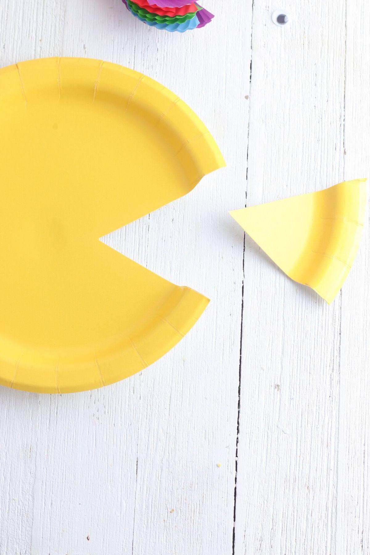 Paper plate fish tutorial
