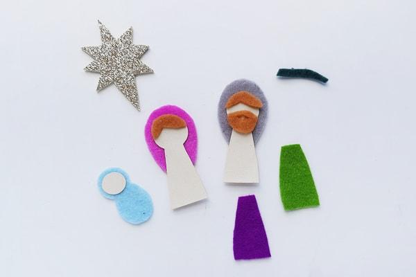 Nativity scene felt craft pieces