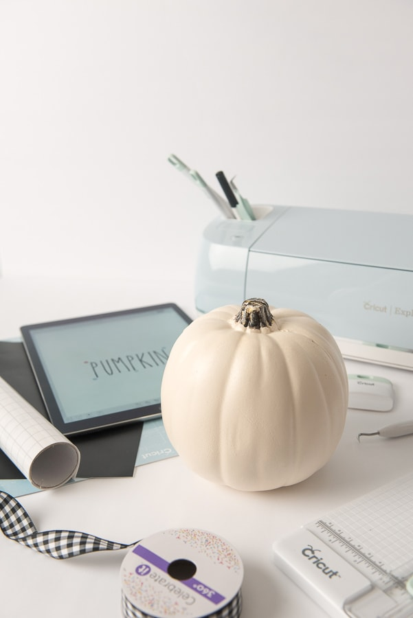 Supplies needed for thanksgiving pumpkin craft